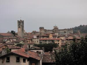 723) Bergamo - Dächer der Altstadt Ausschnitt