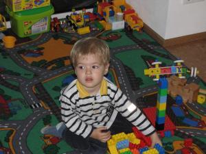 2010 05 Markus beim Spielen (1) (Henning)