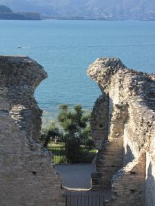 075) Grotten des Katull (Halbinsel Sirmione)