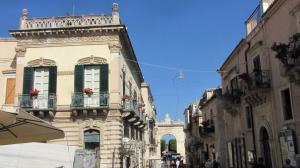 020 12-403 Noto - Hauptstrasse Corso Vittorio Emanuele III Richtung Ost