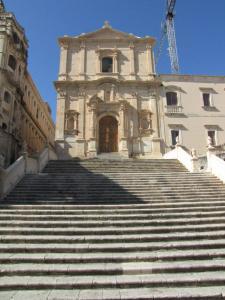 026 12-407 Noto - Chiesa di San Francesco d Assisi  mit Treppe  hoch