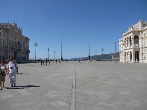310) Trieste - Piazza dell'Unita Richtung Meer