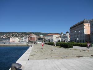 311) Trieste - Uferstraße Richtung Teatro Verdi