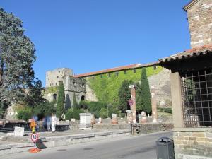 325) Trieste - Colle di San Giusto
