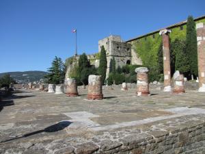 326) Trieste - Colle di San Giusto mit Castello di San Giusto