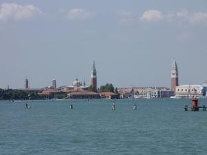 402) Venedig - S Giorgio und Campanile S Marco vom Wasser aus