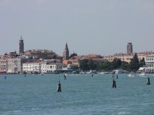 407) Venedig - Gardine (Garten) Reali bei S Marco vom Wasser aus