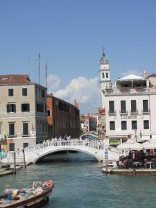 411) Venedig - beim Anleger S Marco - S Zaccaria mit Campanile von S Giorgio dei Greci