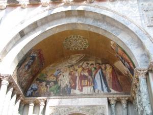 423) Venedig - S Marco - Fronteingang 4 (vlnr) oben