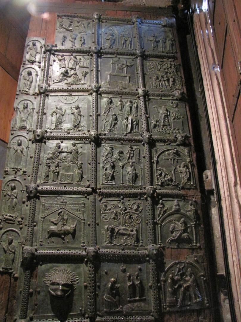 129) Verona - San Zeno Maggiore - Bronzetür