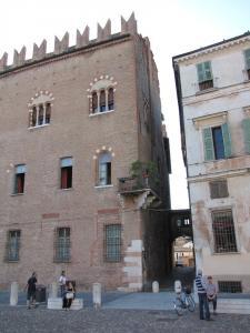 048) Mantova - Piazza Sordello