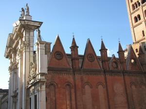 053) Mantova - Dom